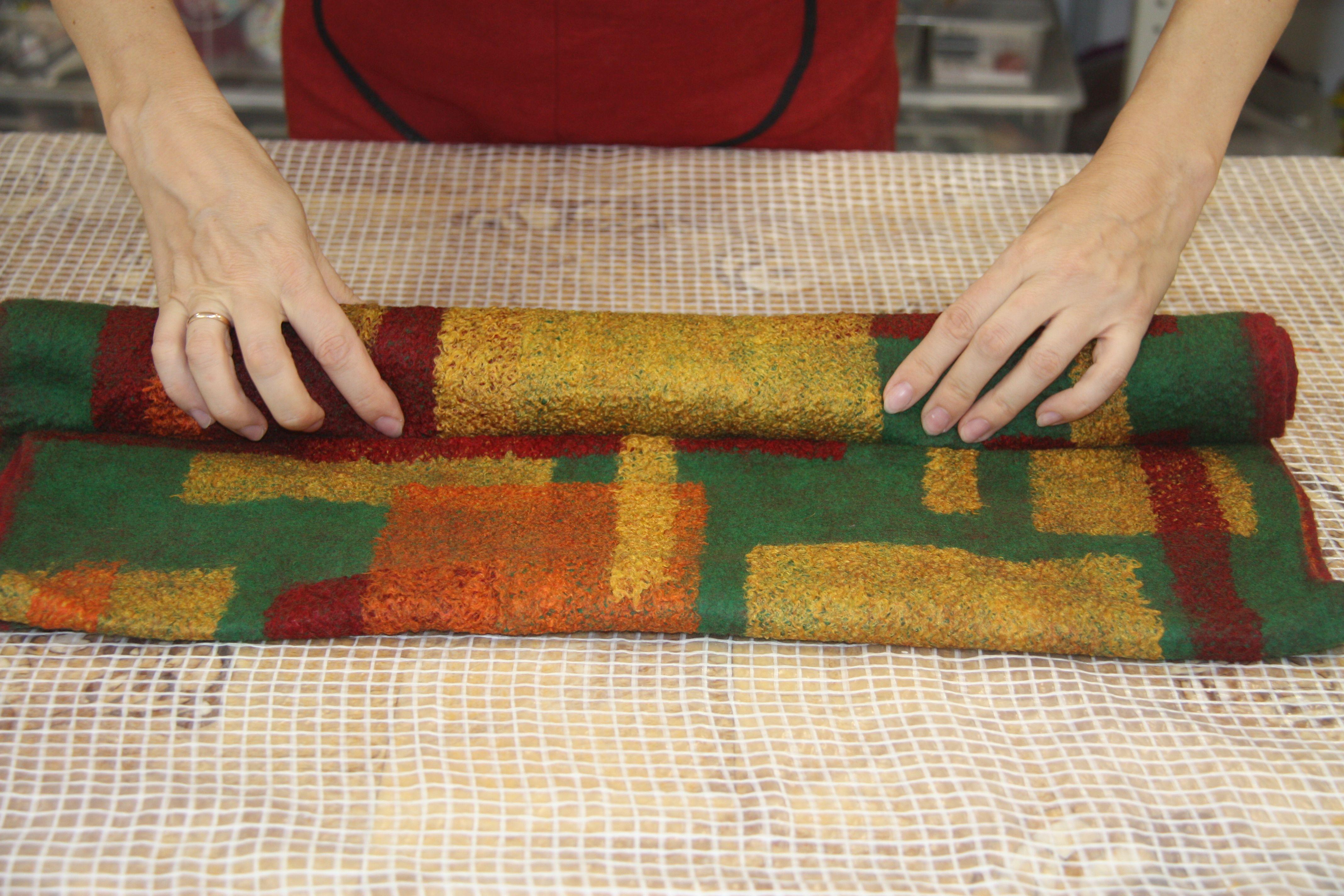 Как сделать многоцветное валяное изделие фото 661